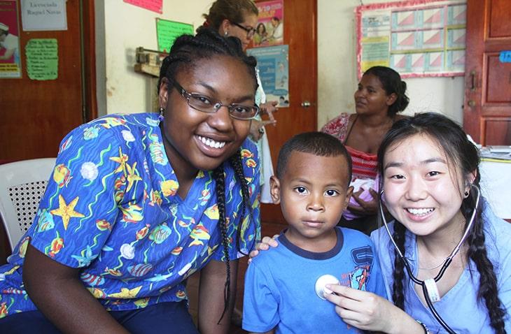 healthcare volunteer programs