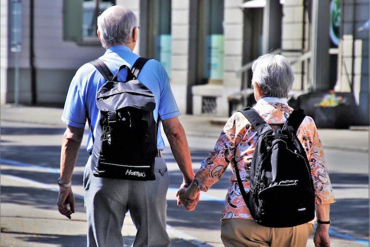 Volunteer abroad programs for seniors and retirees - Global Volunteers